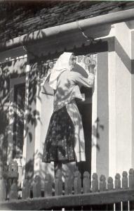 Žena při zdobení žůdra, Lanžhot